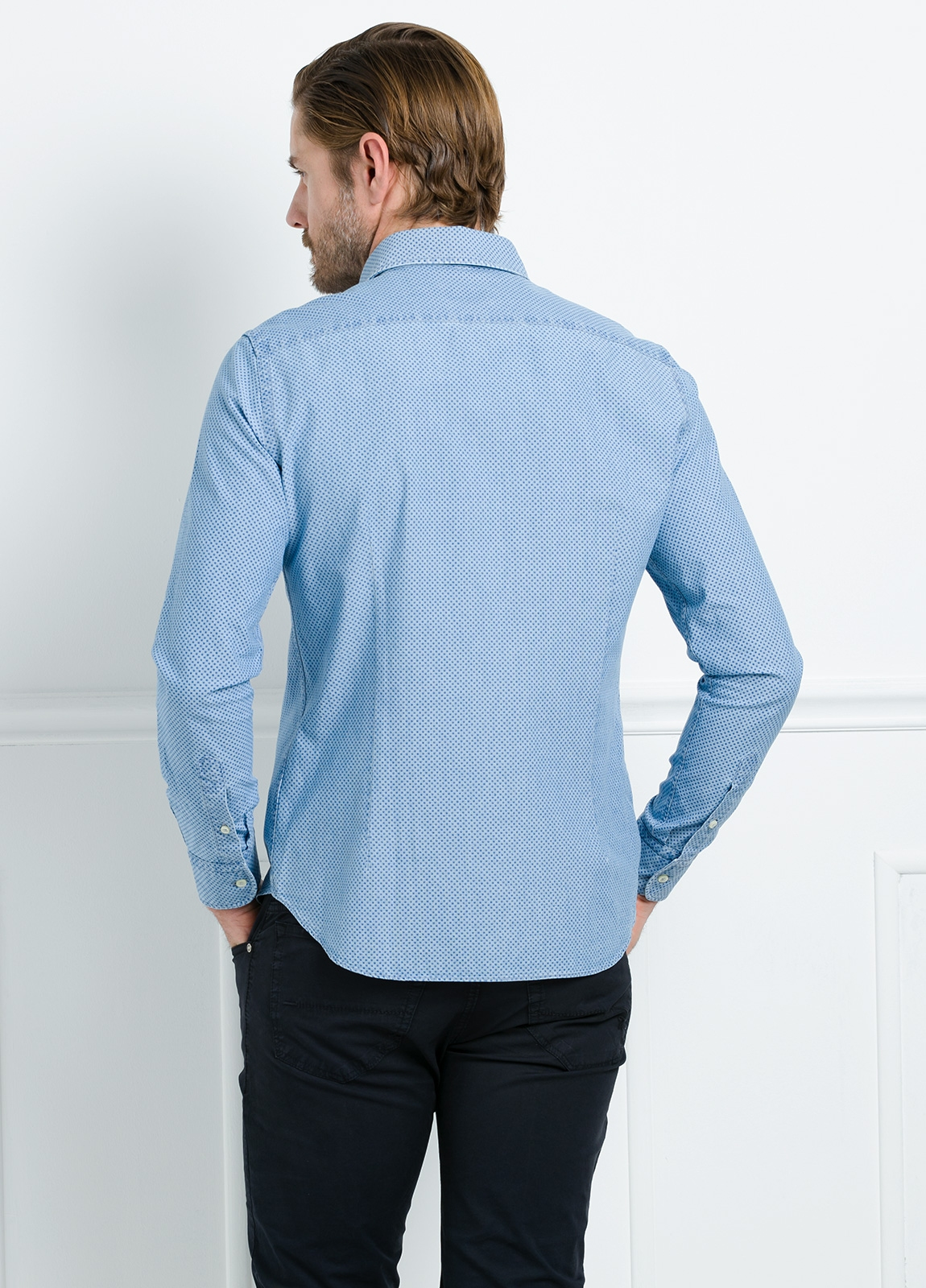 Camisa Leisure Wear SLIM FIT modelo PORTO estampado topito color azul. 100% Algodón. - Ítem3