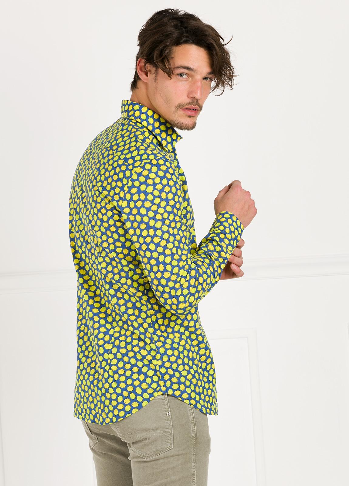 Camisa Leisure Wear SLIM FIT modelo PORTO estampado limones. 100% Algodón. - Ítem1