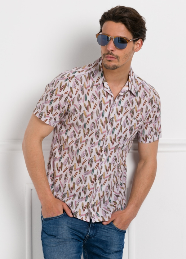 Camisa Leisure Wear modelo HAWAI estampado fantasía.100% Algodón.