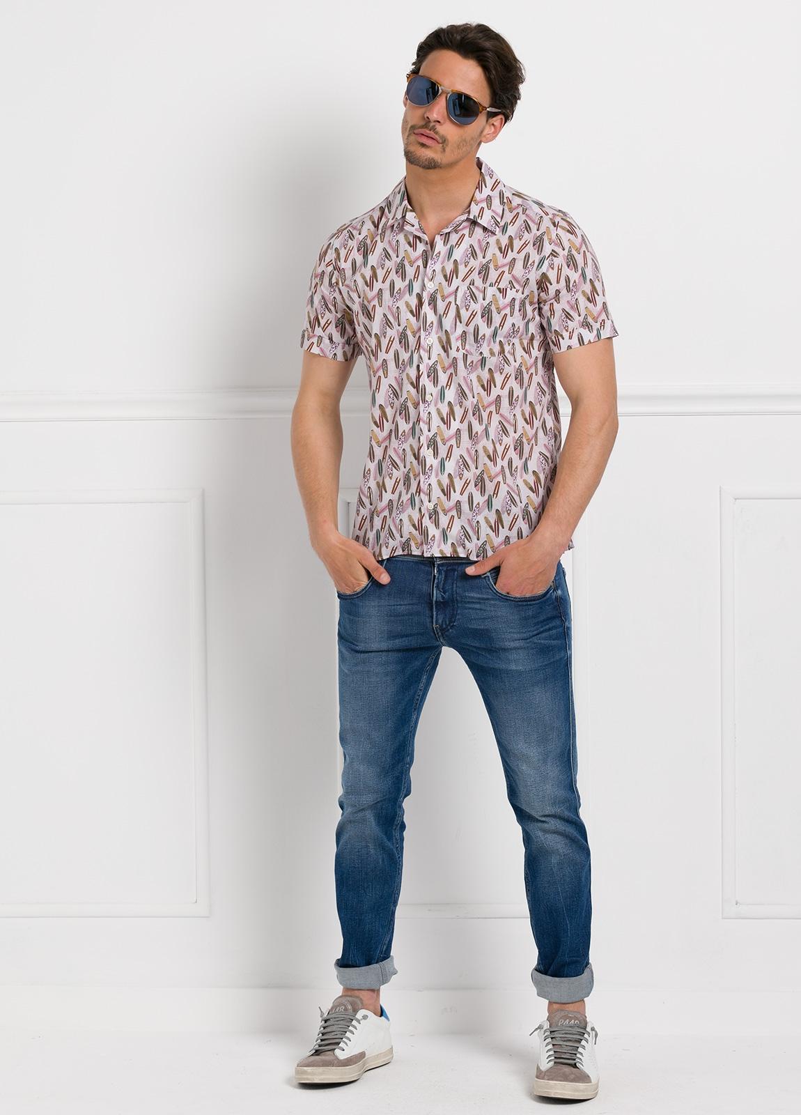 Camisa Leisure Wear modelo HAWAI estampado fantasía.100% Algodón. - Ítem2