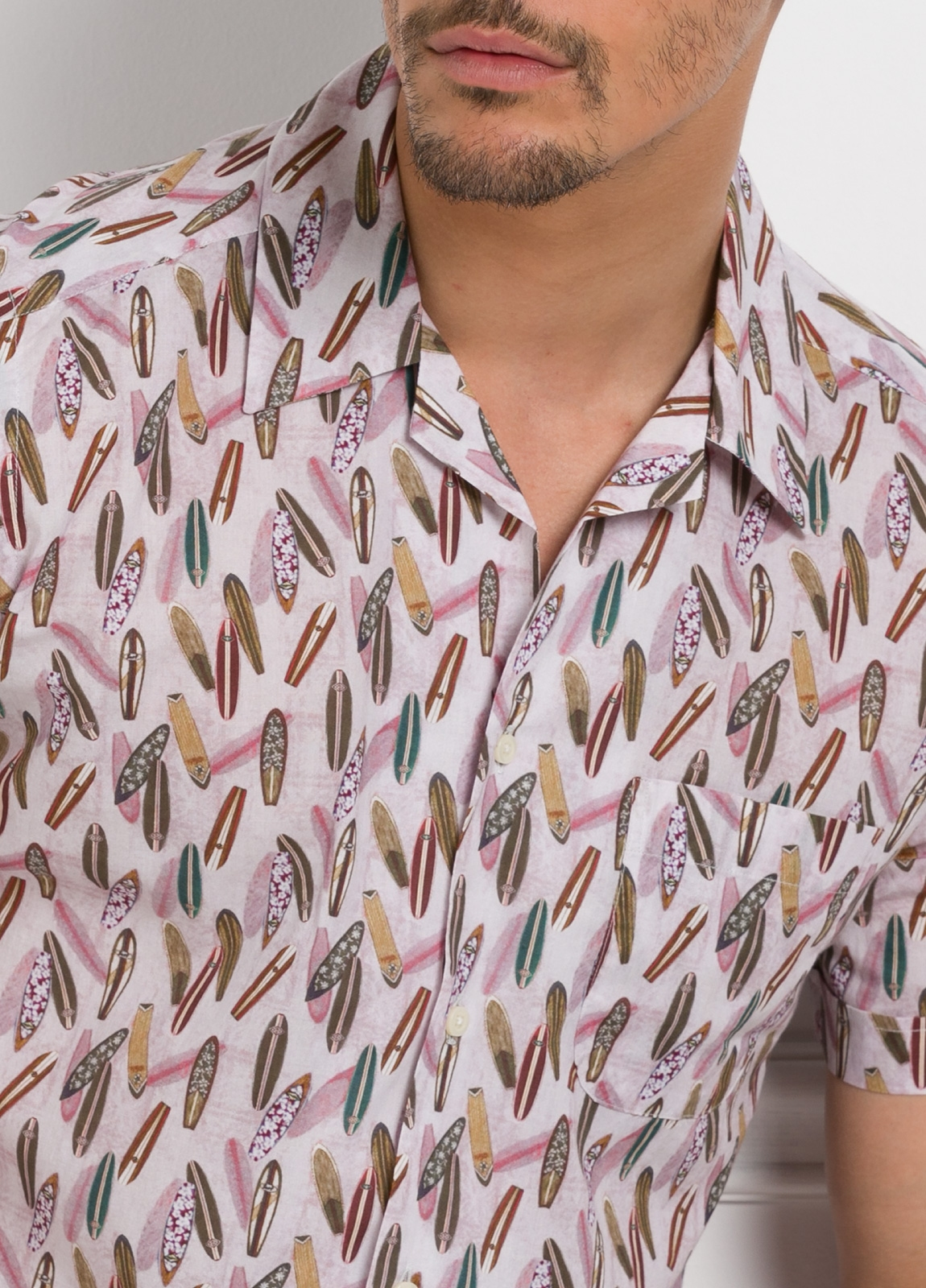 Camisa Leisure Wear modelo HAWAI estampado fantasía.100% Algodón. - Ítem1