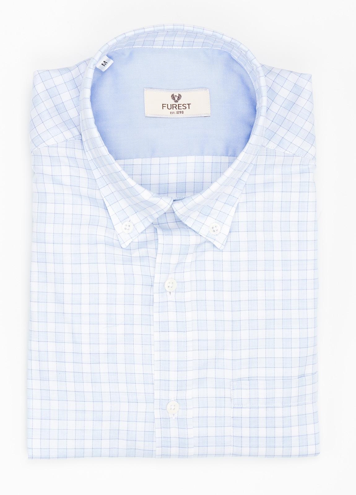Camisa Leisure Wear REGULAR FIT Modelo BOTTON DOWN cuadros color azul celeste. 100% Algodón.