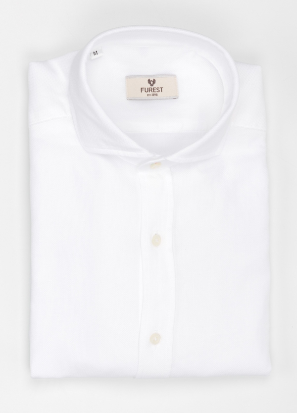 Camisa Leisure Wear SLIM FIT Modelo CAPRI micro textura color blanco. 100% Algodón.