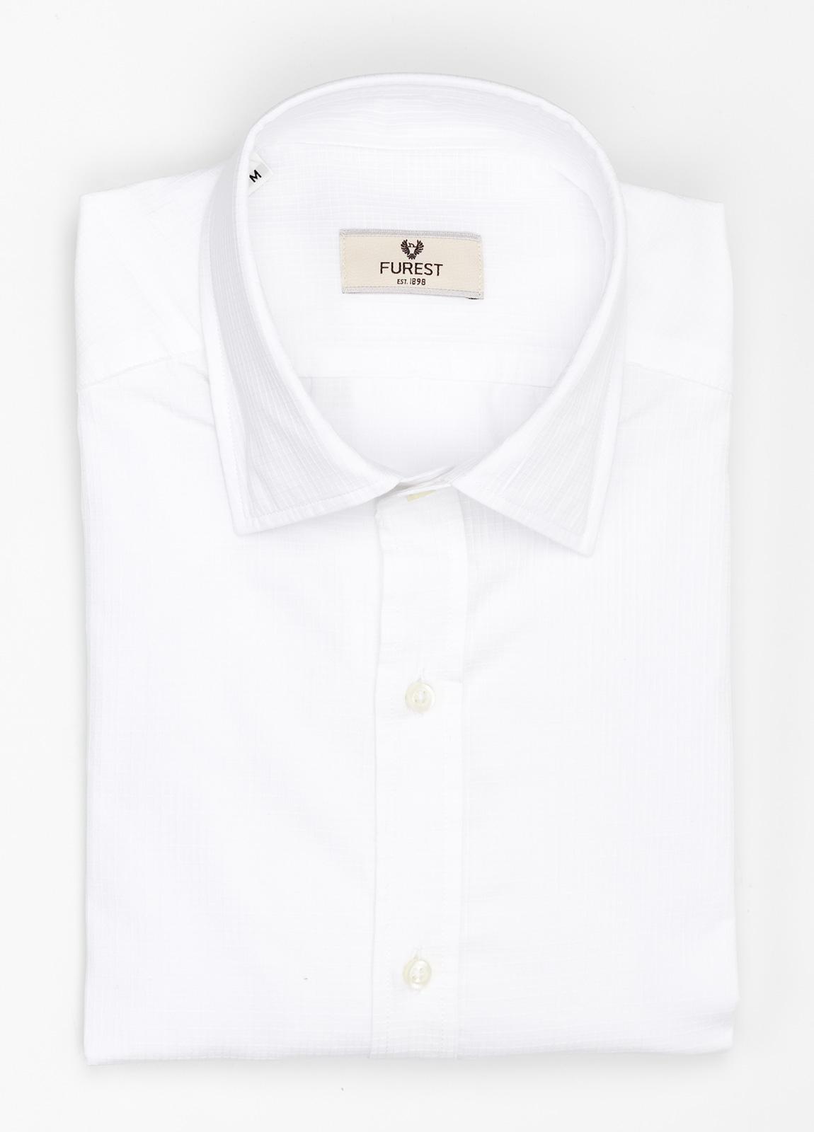 Camisa Leisure Wear SLIM FIT modelo PORTO micro raya color blanco. 100% Algodón.