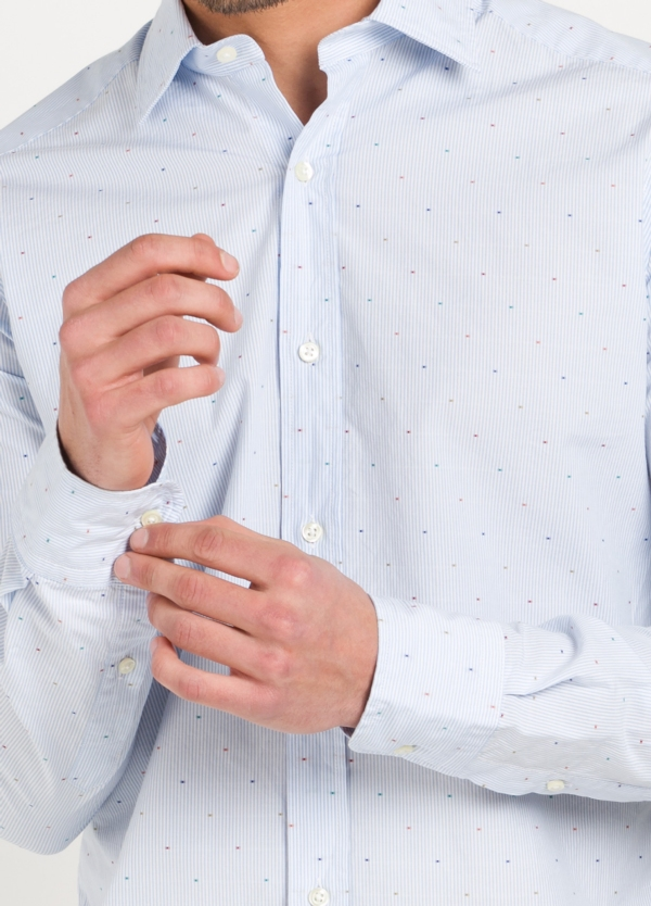 Camisa Leisure Wear SLIM FIT modelo PORTO raya con micro dibujo color celeste. 100% Algodón. - Ítem1