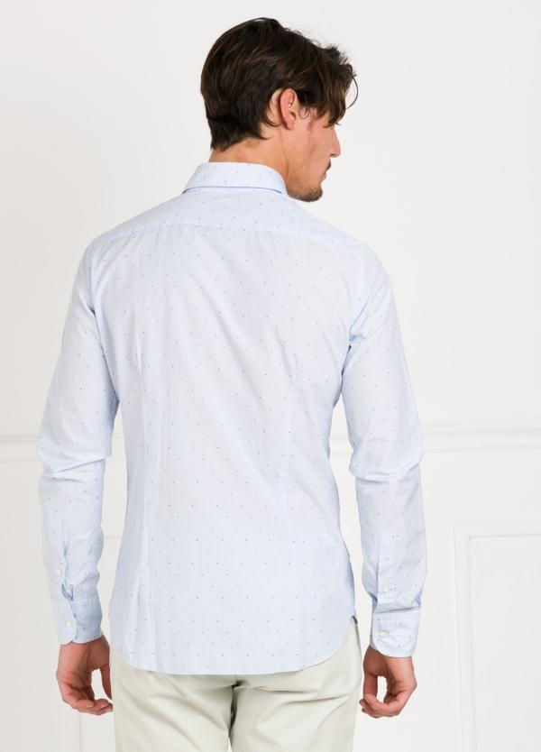 Camisa Leisure Wear SLIM FIT modelo PORTO raya con micro dibujo color celeste. 100% Algodón. - Ítem2