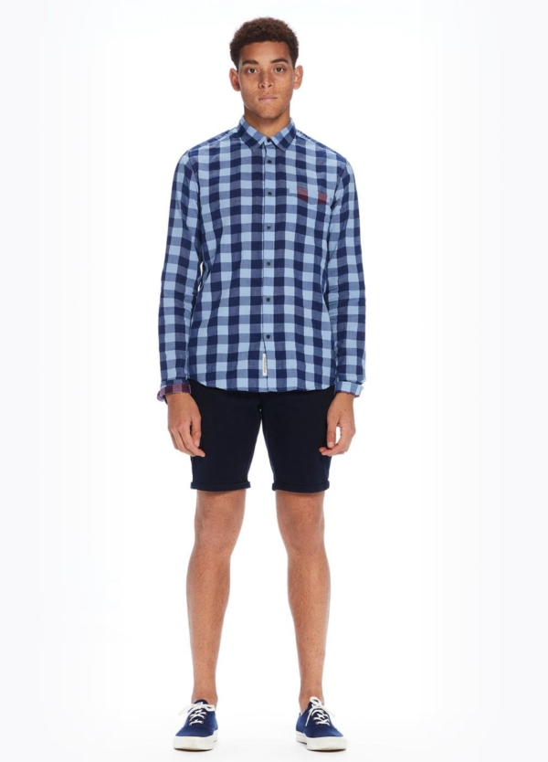 Camisa regular fit, cuadros en azul. Algodón.
