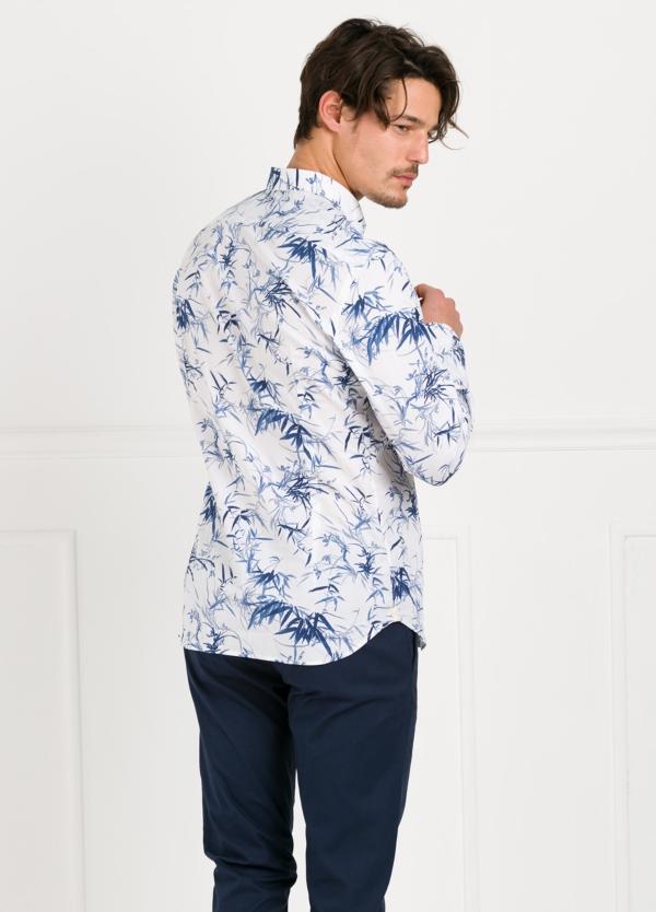 Camisa sport SLIM FIT con estampado floral color azul. 97% Algodón 3% elastano. - Ítem2