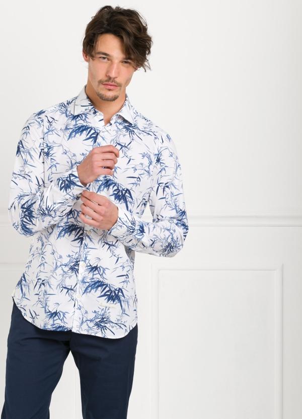 Camisa sport SLIM FIT con estampado floral color azul. 97% Algodón 3% elastano.