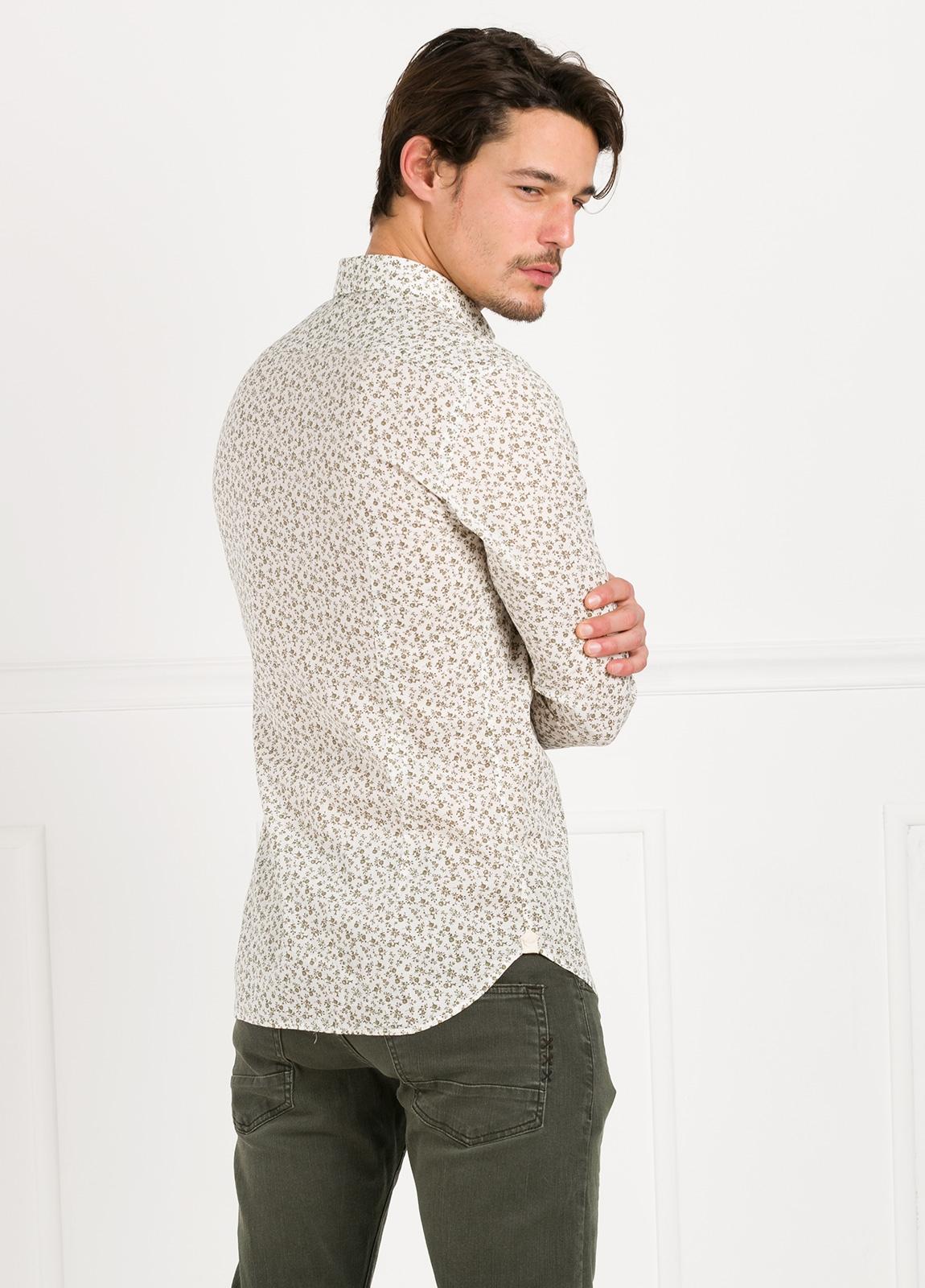Camisa sport SLIM FIT con estampado floral color beige. 100% Algodón. - Ítem3