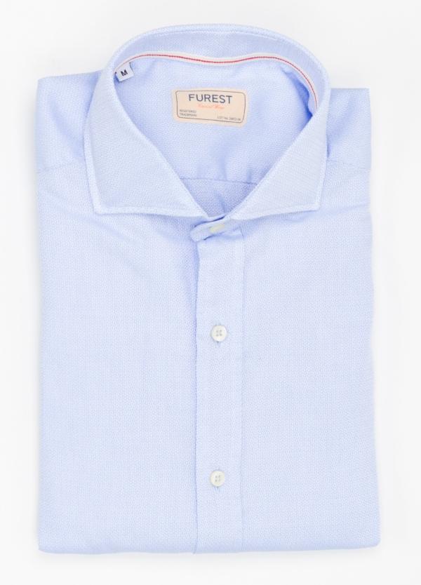 Camisa Casual Wear SLIM FIT Modelo CAPRI diseño liso micro grabado color celeste. 100% Algodón.