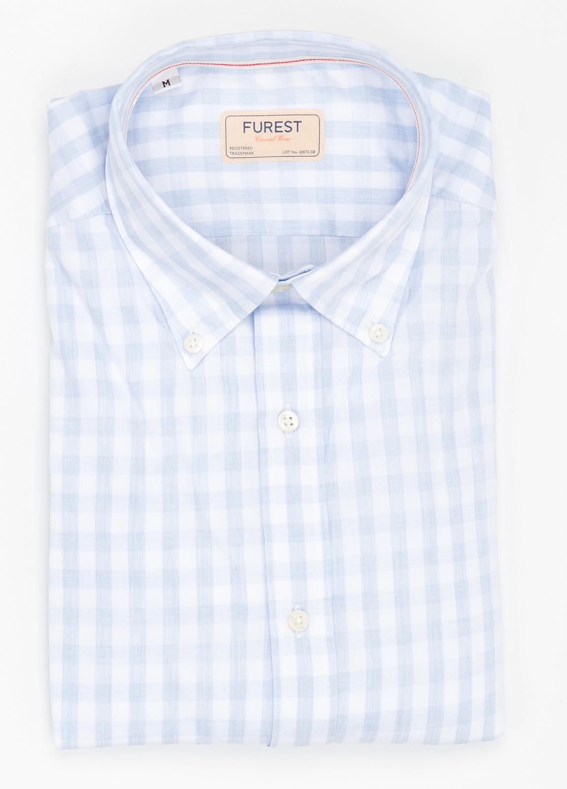 Camisa Casual Wear SLIM FIT Modelo BUTTON DOWN dibujo cuadros color celeste, 100% Algodón.