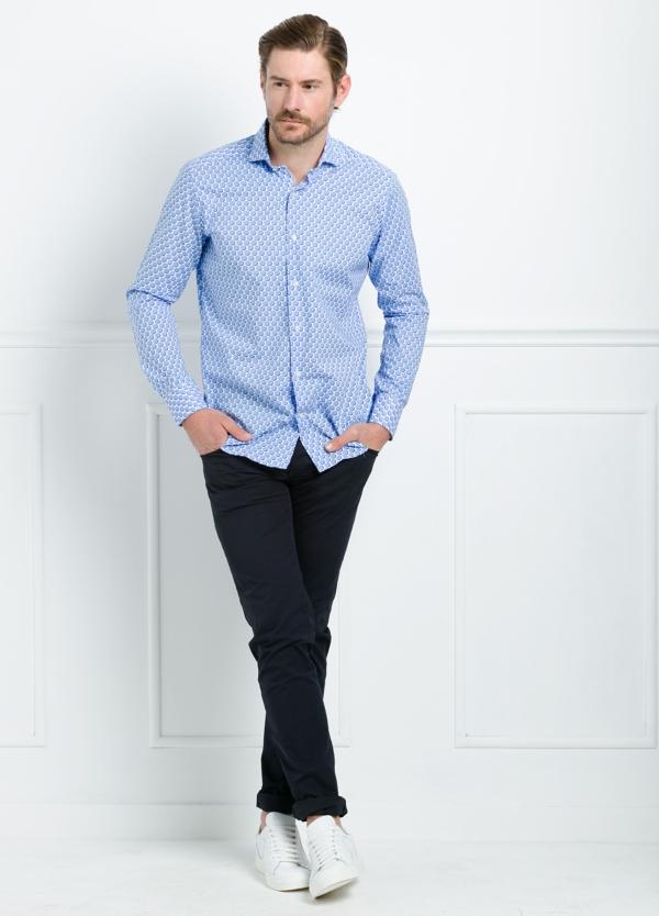 Camisa Casual Wear SLIM FIT Modelo CAPRI maxi dibujo lunar color azul. 100% Algodón.