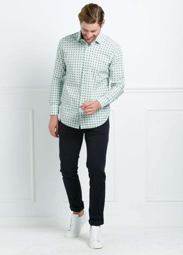 Camisa Casual Wear SLIM FIT Modelo PORTO estampado floral color verde. 100% Algodón.