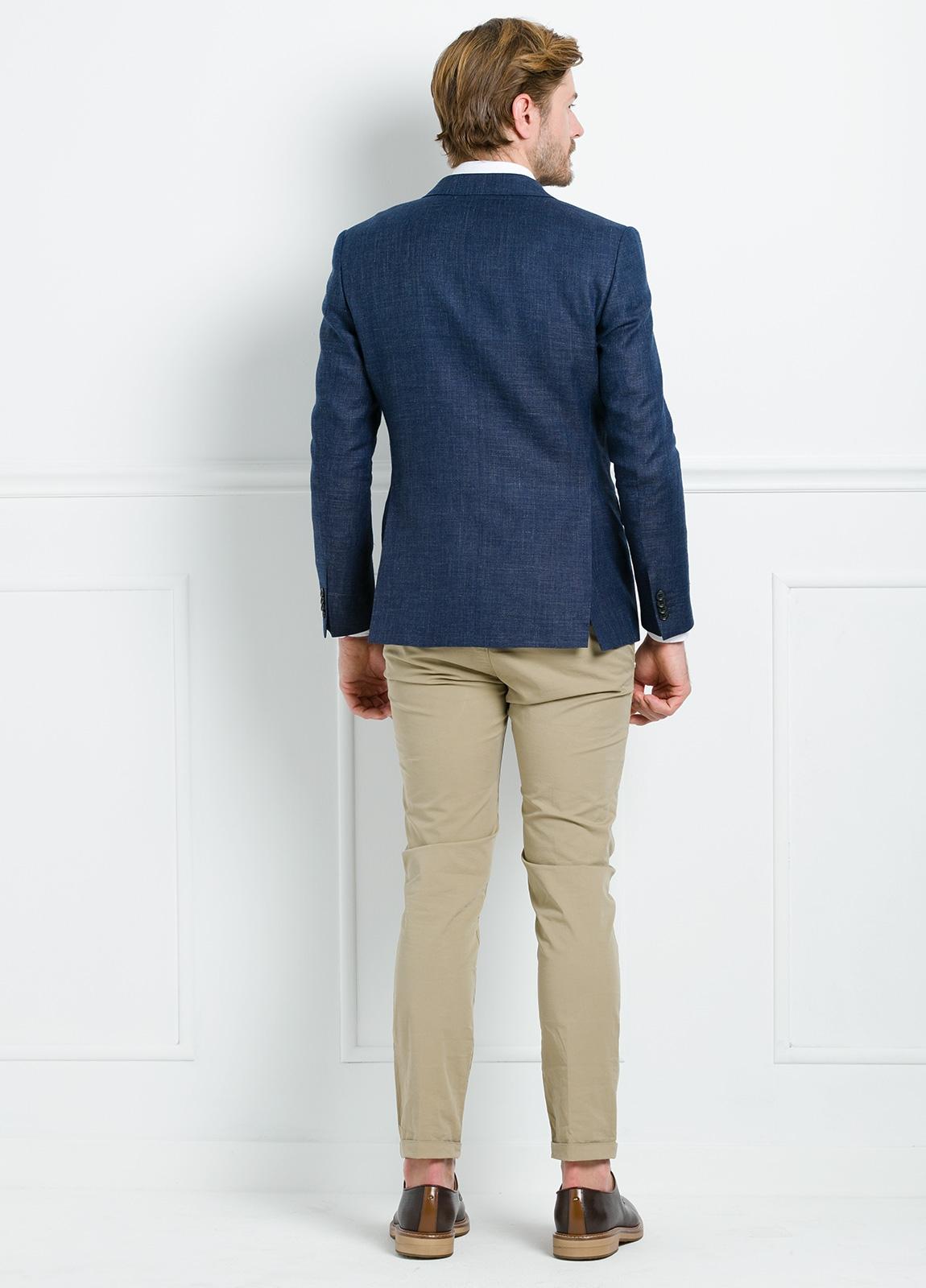 Americana Slim Fit color azul marino. 55% Lino 45% Lana. - Ítem3