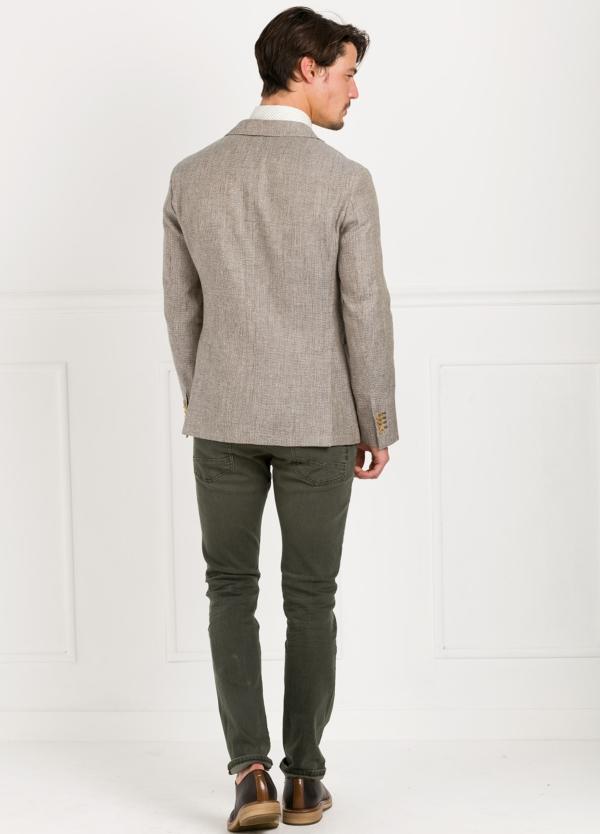 Americana SOFT JACKET Slim Fit diseño textura color beige. 60% Lino 18% Lana 12% Seda 10% Algodón. - Ítem3