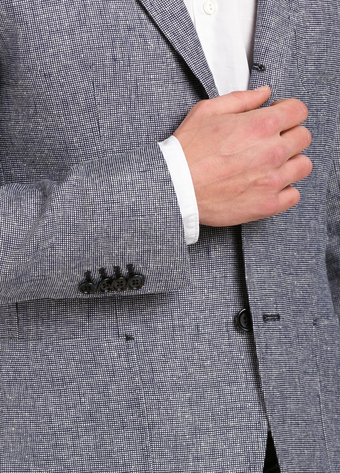 Americana SOFT JACKET Slim Fit diseño textura color azul marino. 60% Lino 18% Lana 12% Seda 10% Algodón. - Ítem3