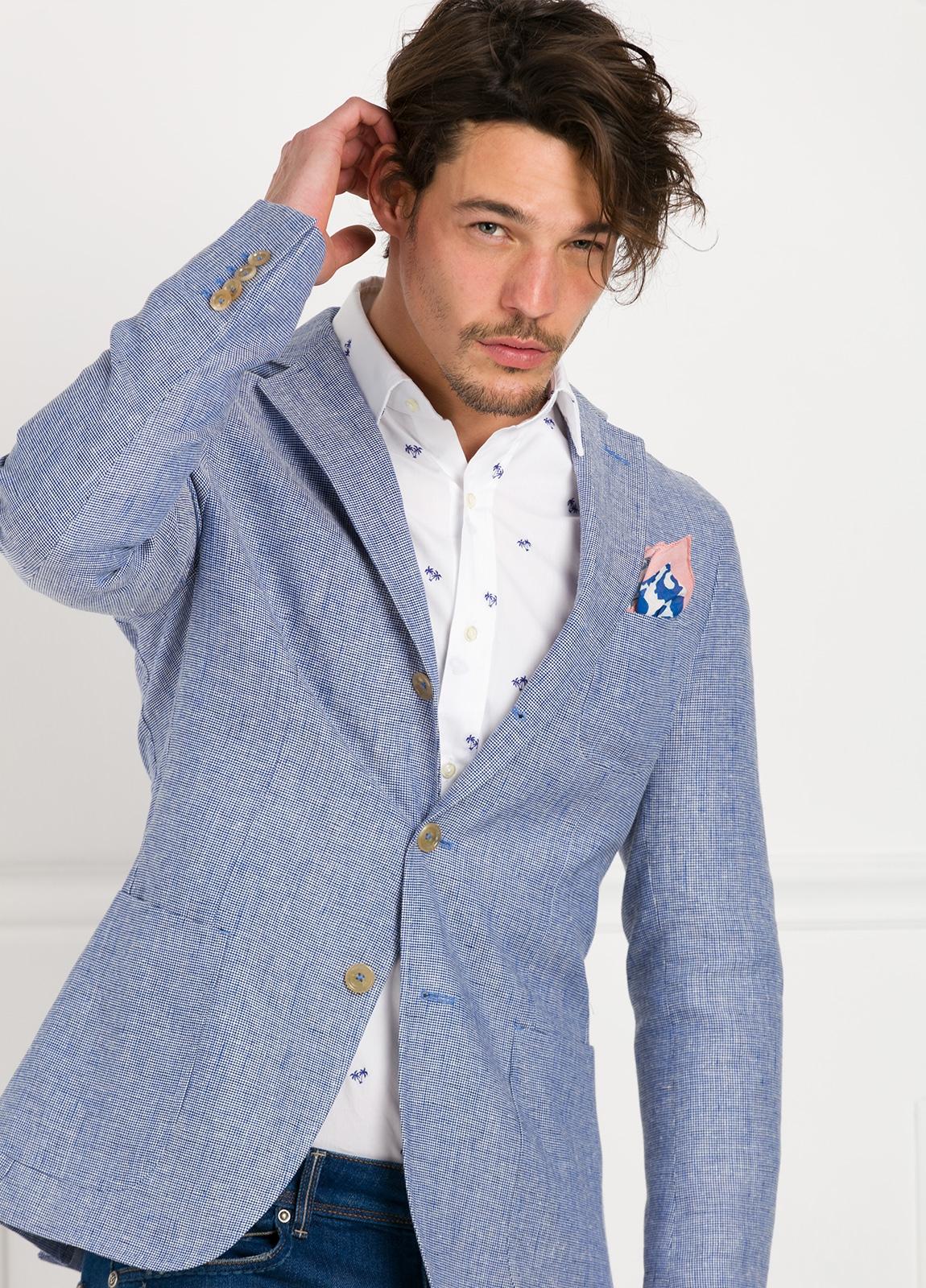 Americana SOFT JACKET Slim Fit diseño textura color azul. 60% Lino 18% Lana 12% Seda 10% Algodón.