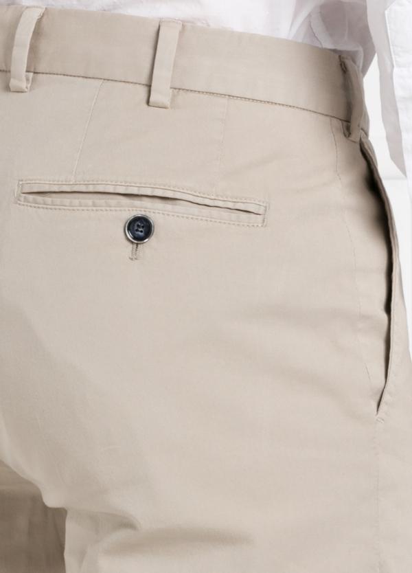 Pantalón chino modelo SANTA color beige. 97% Algodón 3% Elastán. - Ítem3