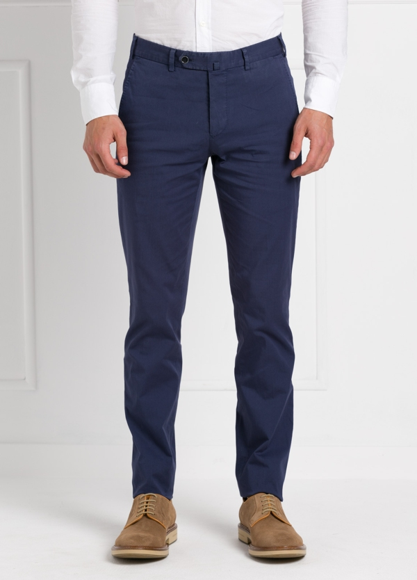Pantalón chino modelo SANTA color azul marino. 97% Algodón 3% Elastán.