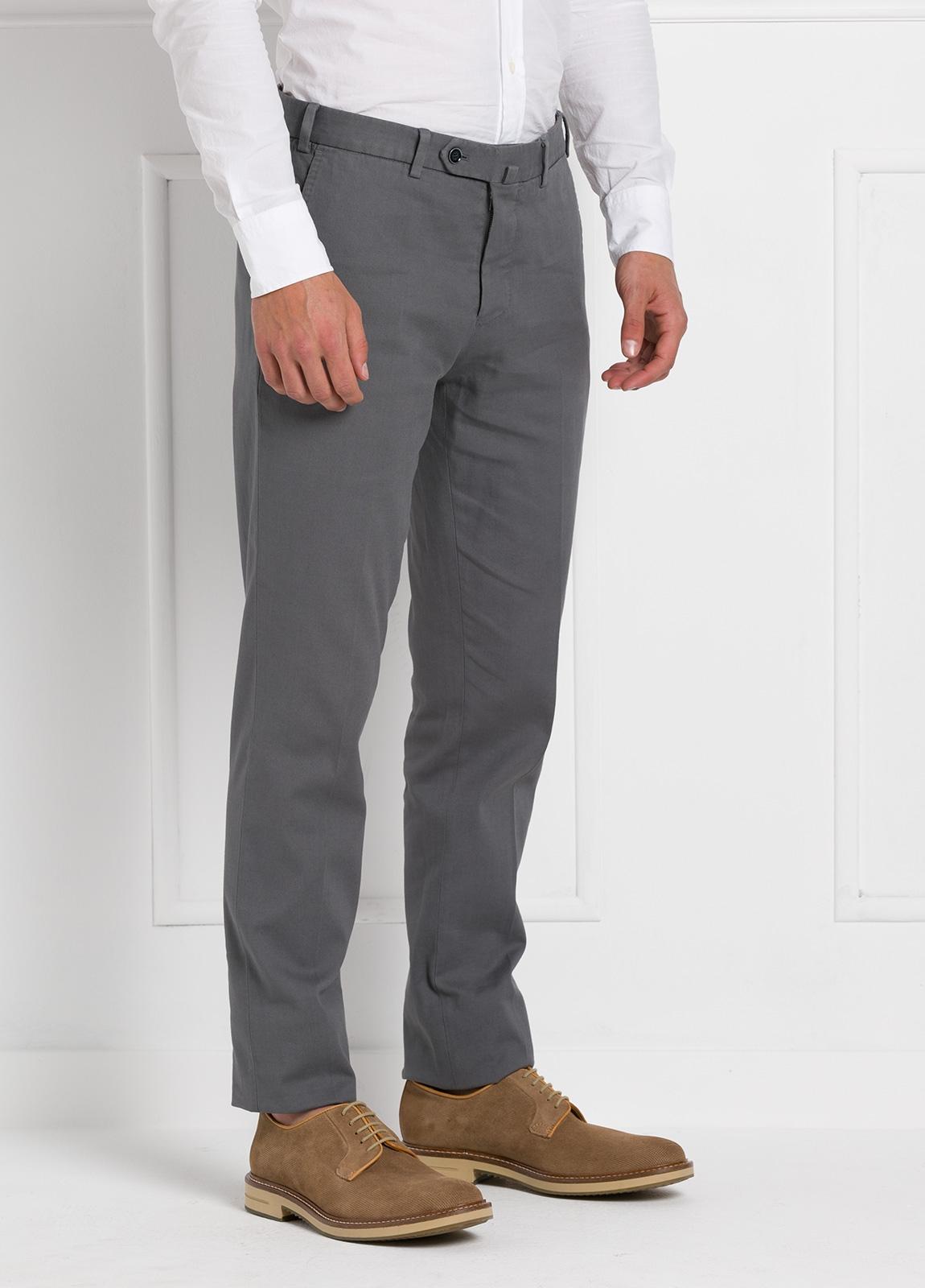 Pantalón chino modelo SANTA color gris. 97% Algodón 3% Elastán. - Ítem3