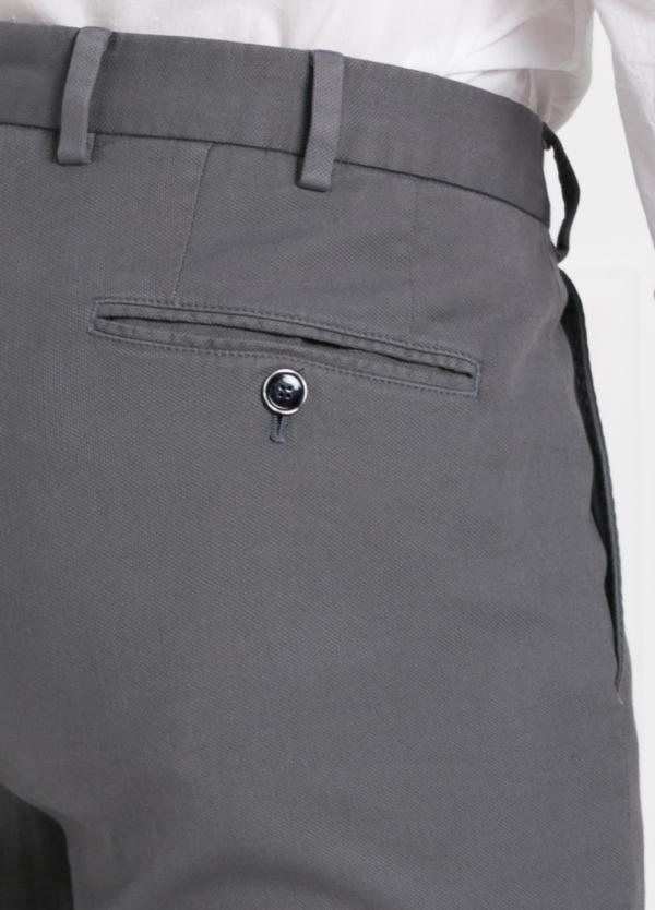 Pantalón chino modelo SANTA color gris. 97% Algodón 3% Elastán. - Ítem1