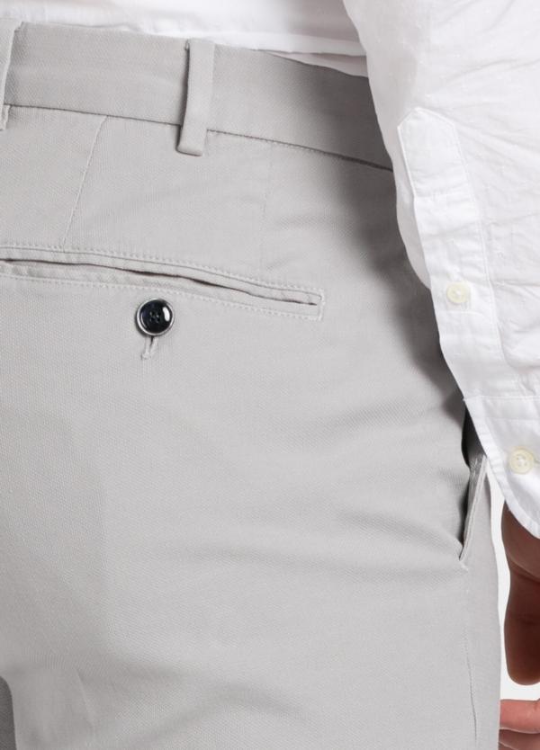 Pantalón chino modelo SANTA color gris perla. 97% Algodón 3% Elastán. - Ítem2