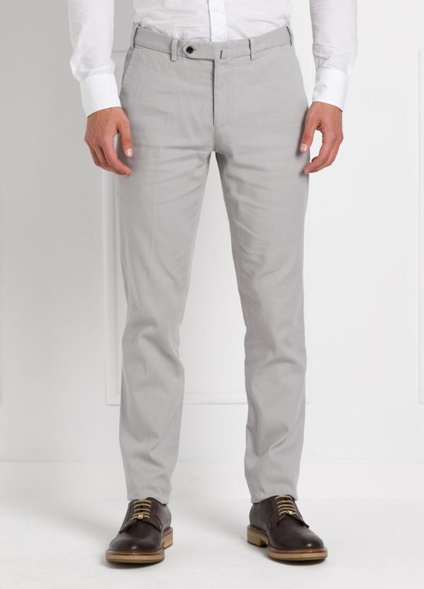 Pantalón chino modelo SANTA color gris perla. 97% Algodón 3% Elastán.