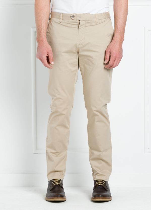 Pantalón chino REGULAR FIT modelo BRIAN color beige. 97% Algodón gabardina 3% Elastán.