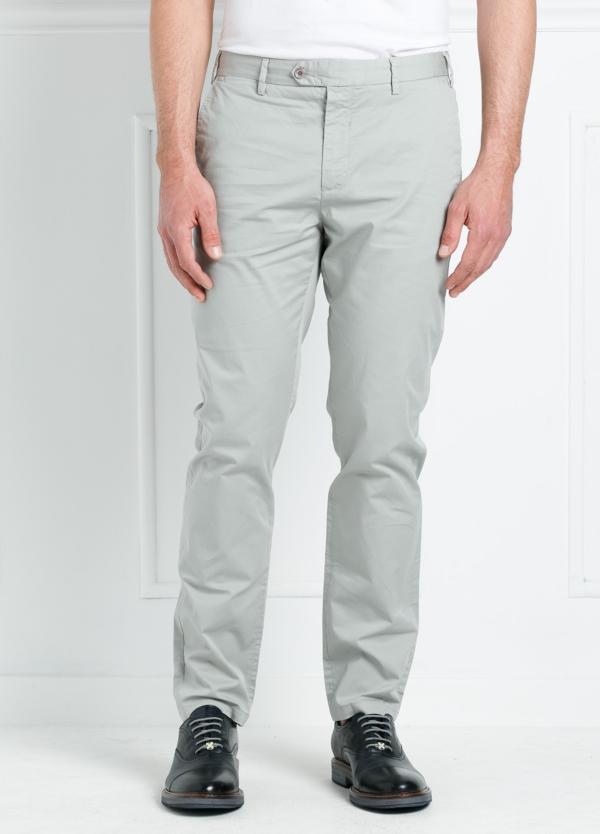 Pantalón chino REGULAR FIT modelo BRIAN color gris perla. 97% Algodón gabardina 3% Elastán.