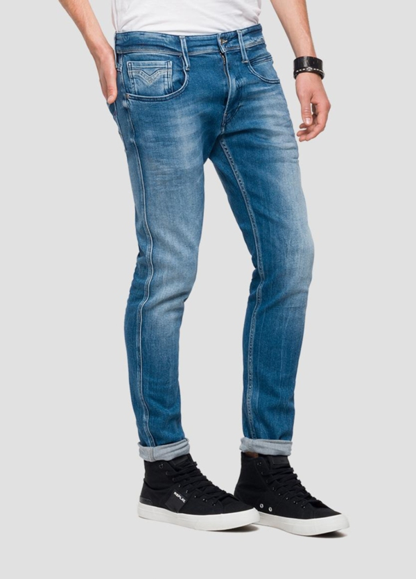 Pantalón tejano 12,5 oz SLIM 914J ANBASS color azul claro lavado. 78% Algodón 18% Modal 3% Elastomultiéster 1% Elastano. - Ítem4