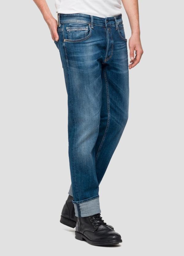 Pantalón tejano 10,5 oz REGULAR 972 GROVER color azul medio oscuro lavado. 98% Algodón 2% Elastano. - Ítem1