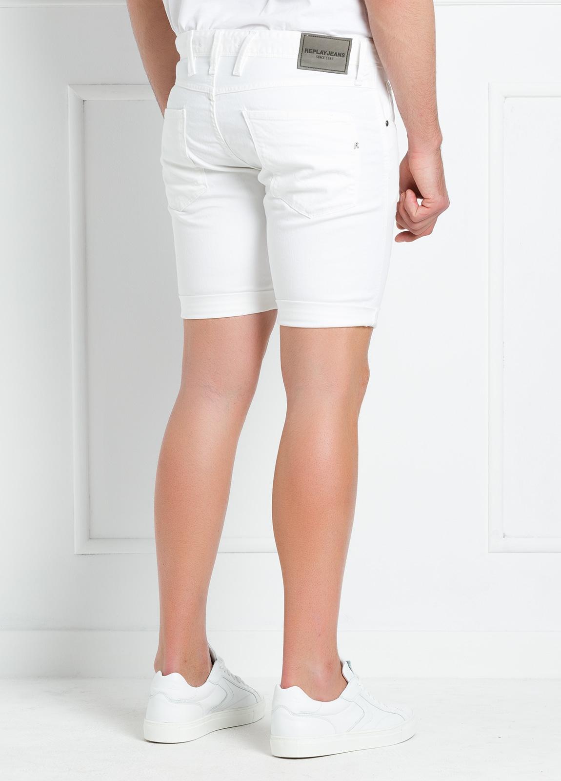 Bermuda tejana 9,5 oz SLIM MA 996 ANBASS color blanco. - Ítem1