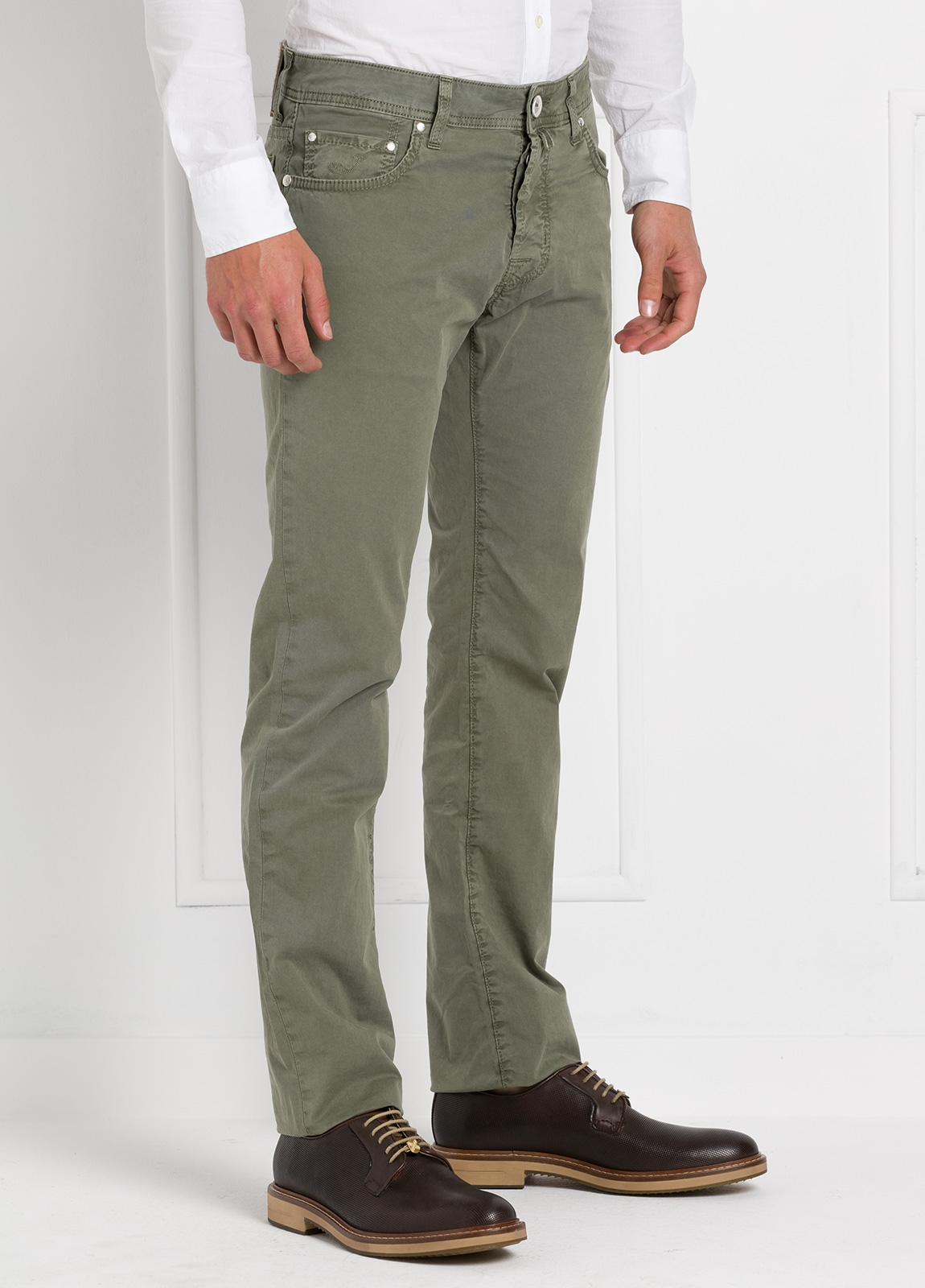 Pantalón cinco bolsillos modelo PW688 color kaki. Algodón gabardina vintage. - Ítem2