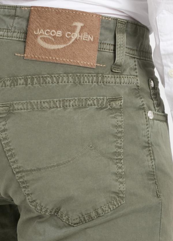 Pantalón cinco bolsillos modelo PW688 color kaki. Algodón gabardina vintage. - Ítem1