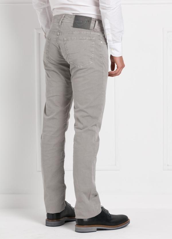 Pantalón cinco bolsillos modelo PW688 color gris. Algodón gabardina vintage. - Ítem1