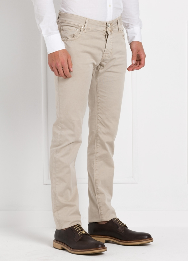Pantalón cinco bolsillos modelo PW622 color beige. Algodón gabardina vintage. Algodón satén vintage. - Ítem1