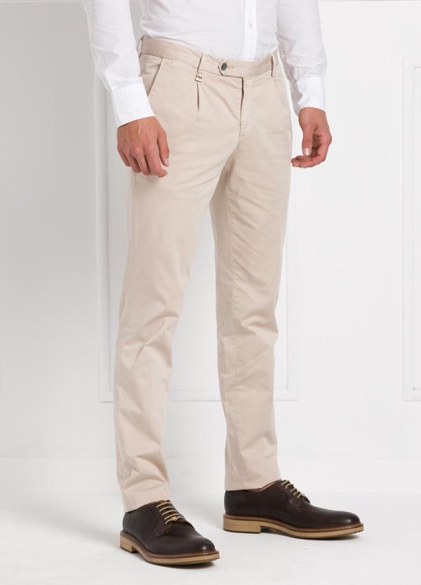 Pantalón modelo slim fit 1 pinza color beige. 97% Algodón 3% Ea. - Ítem3