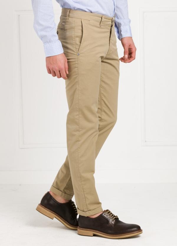 Pantalón sport modelo MUCHA P249 color beige. Algodón y elastáno. - Ítem1