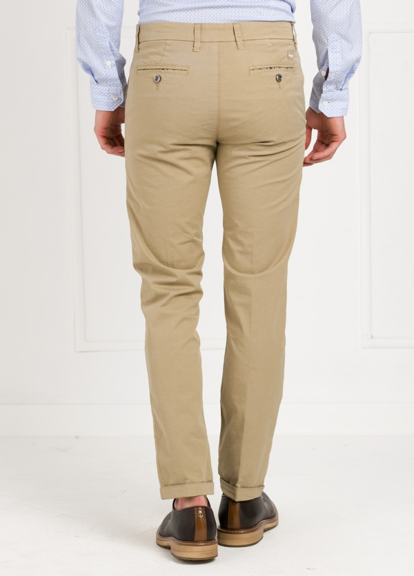 Pantalón sport modelo MUCHA P249 color beige. Algodón y elastáno. - Ítem3