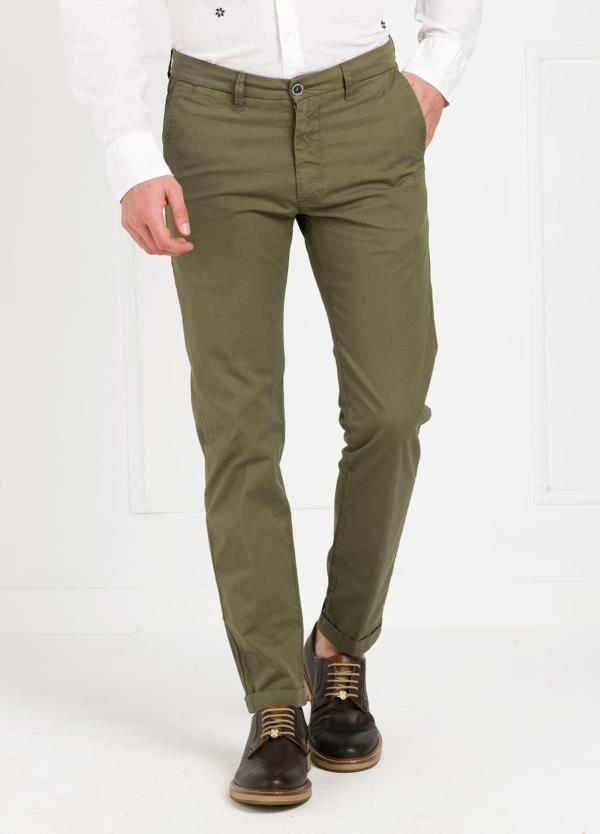 Pantalón sport modelo MUCHA P 249 color kaki. Algodón y elastáno.