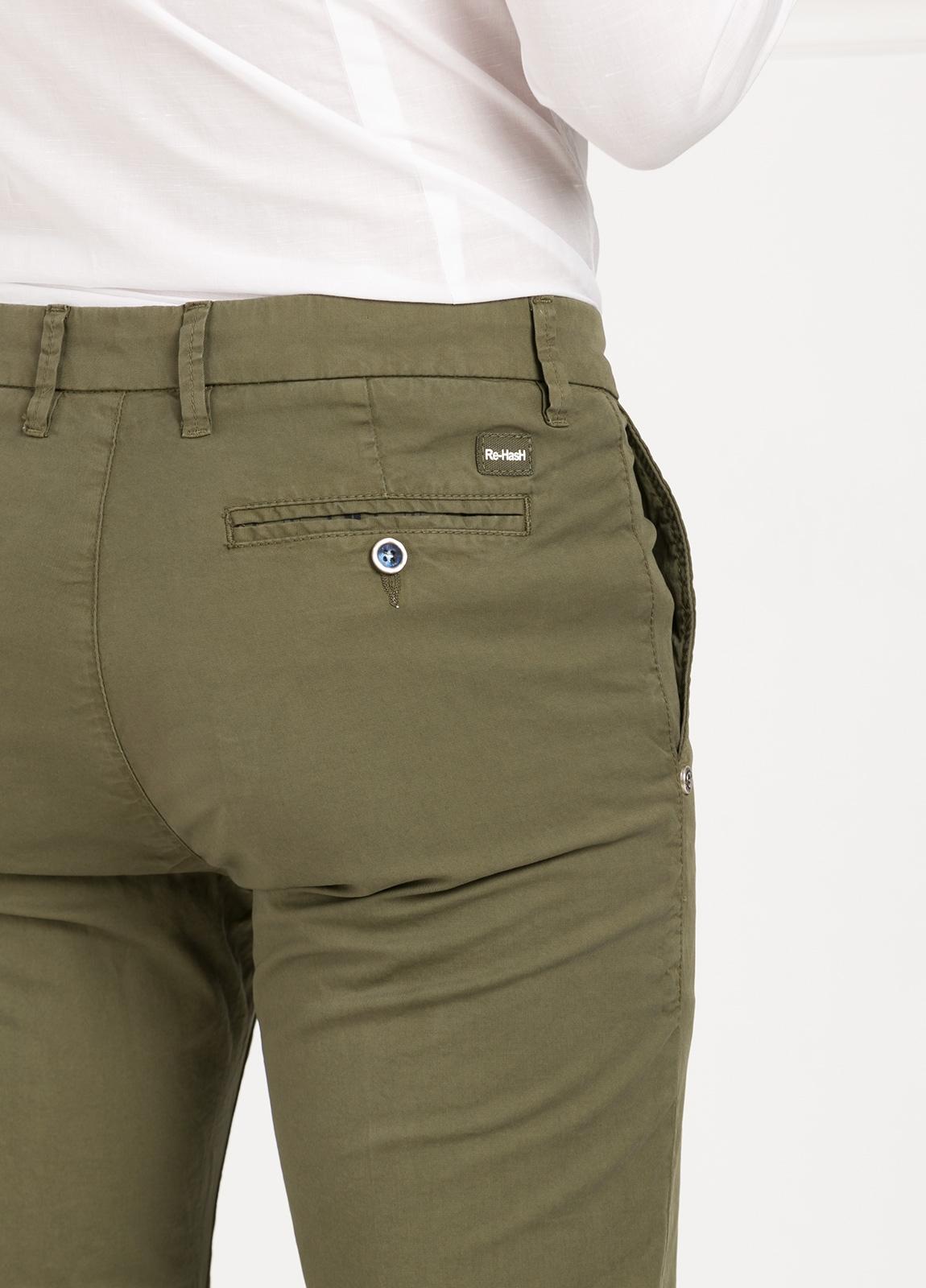 Pantalón sport modelo MUCHA P 249 color kaki. Algodón y elastáno. - Ítem1