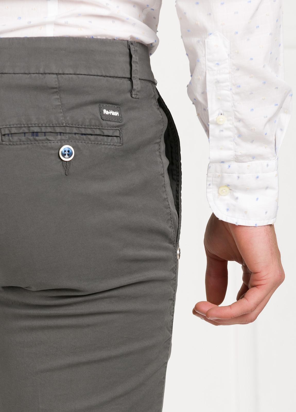 Pantalón sport modelo MUCHA P 249 color gris. Algodón y elastáno. - Ítem2
