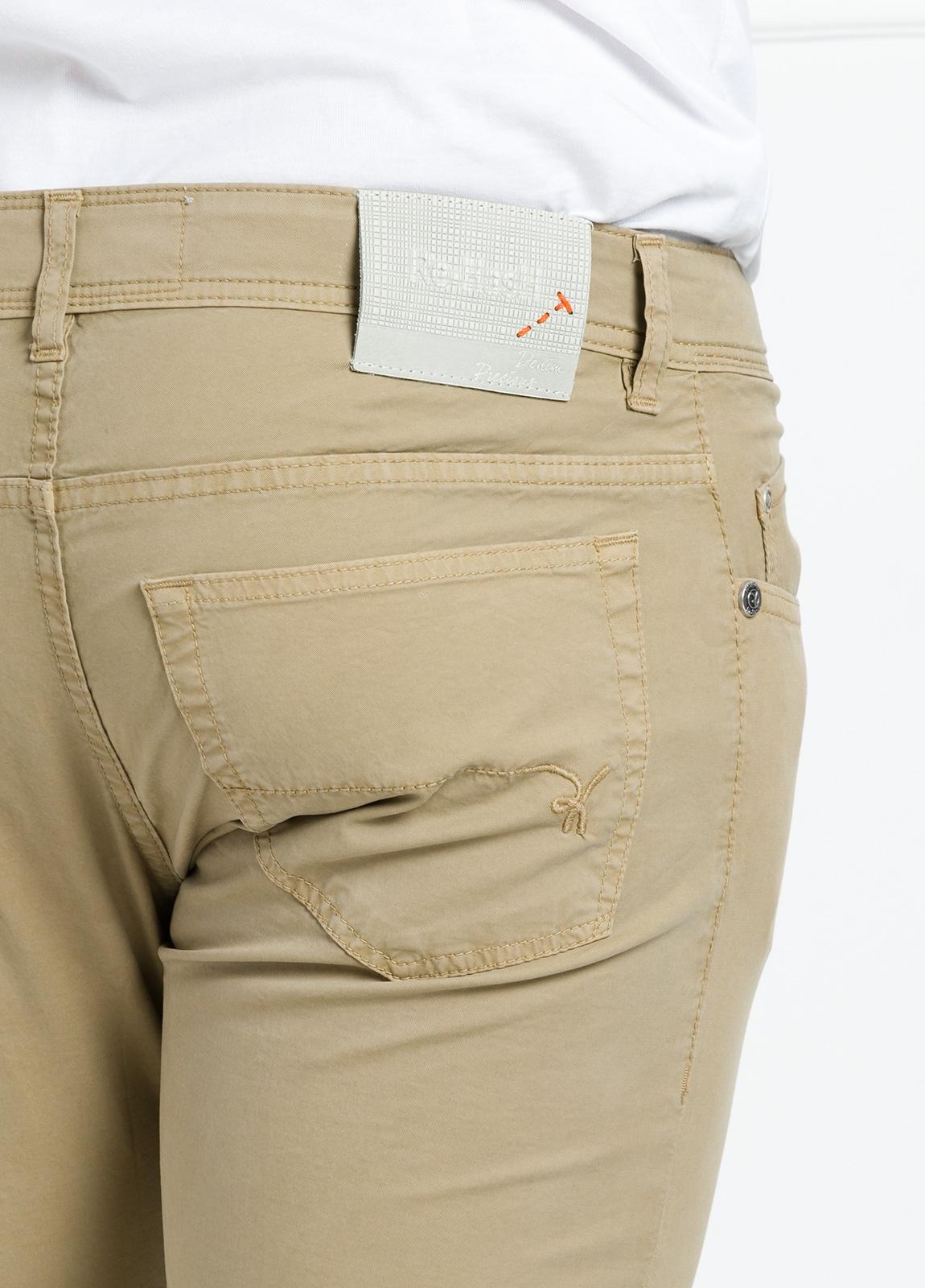 Pantalón sport regular fit modelo POLLOCK P 053 color beige. 96% Algodón gabardina 4% Lycra. - Ítem2