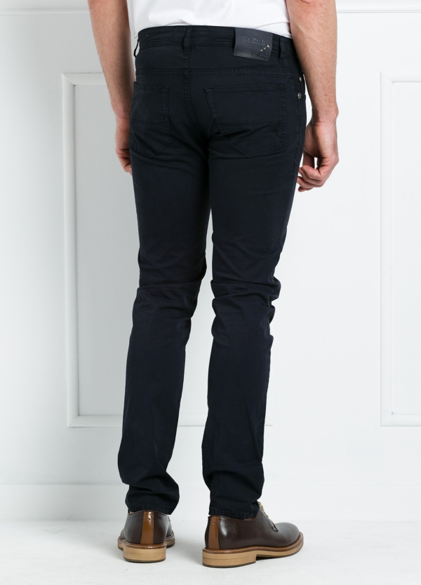 Pantalón sport regular fit modelo POLLOCK P 053 color azul marino. 96% Algodón gabardina 4% Lycra. - Ítem3