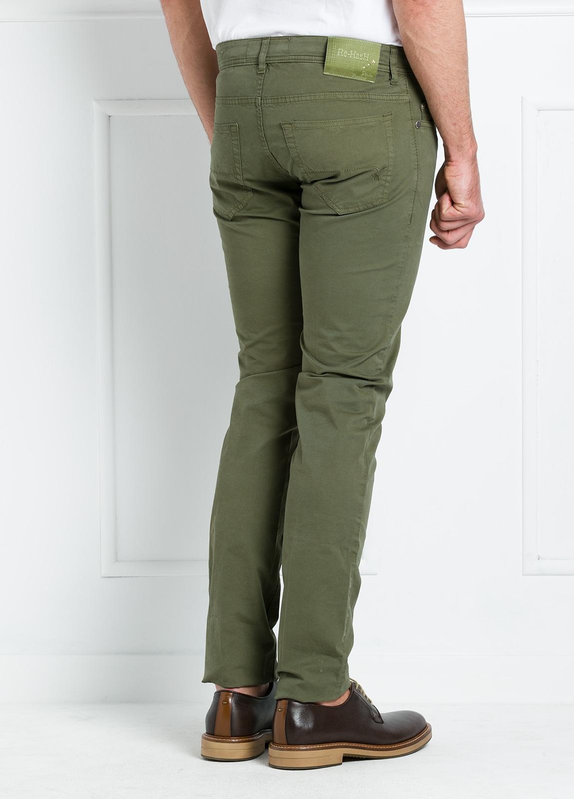 Pantalón sport regular fit modelo POLLOCK P 053 color kaki. 96% Algodón gabardina 4% Lycra. - Ítem2