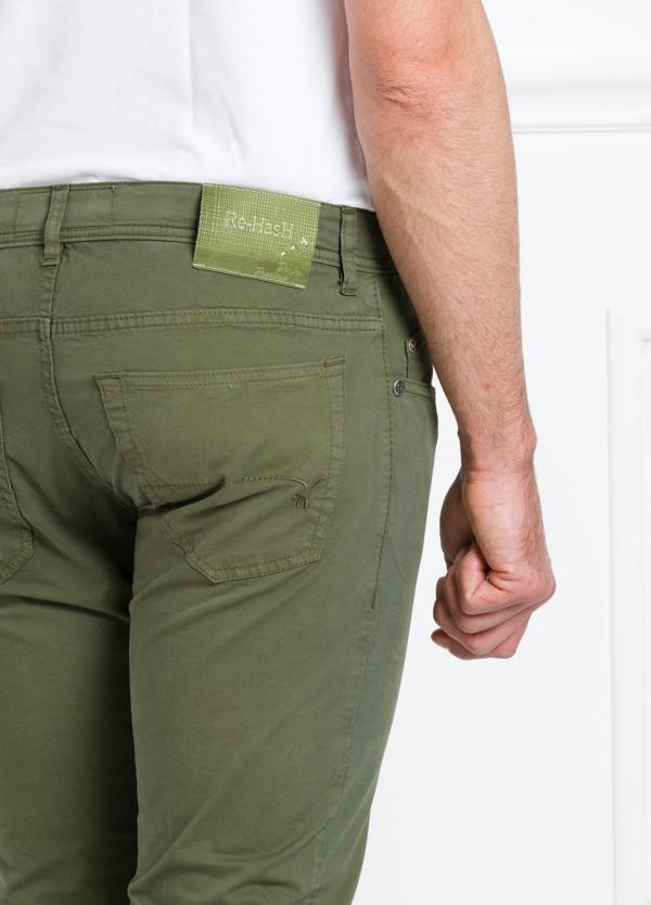 Pantalón sport regular fit modelo POLLOCK P 053 color kaki. 96% Algodón gabardina 4% Lycra. - Ítem3