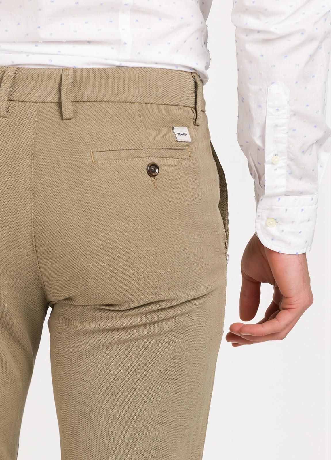Pantalón sport modelo MUCHA P294 color beige. Algodón y elastáno. - Ítem1