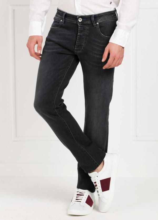 Pantalón tejano modelo POLLOCK P053 color negro. 92% Algodón, 6% Elastomultiéster, 2% Elastáno.