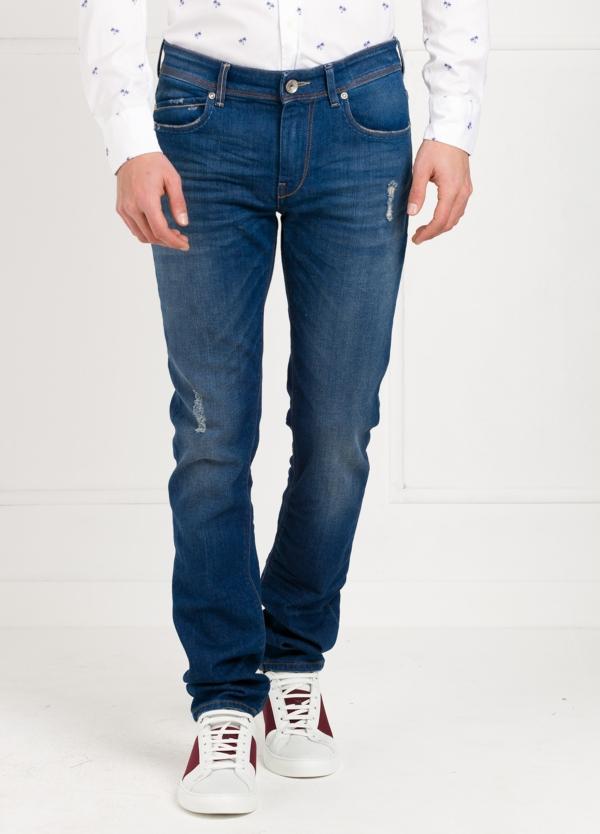 Pantalón tejano Slim Fit modelo RUBENS Z P015 color azul. 95% Algodón 3% Poliéster 2% Elastáno.
